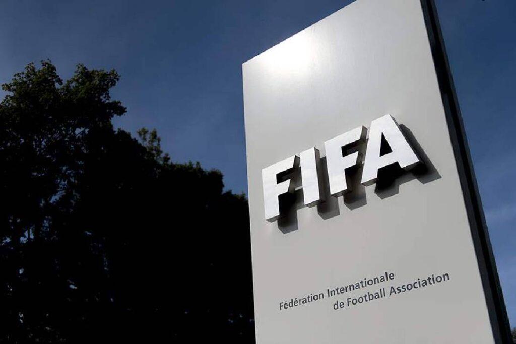 la fifa-selectionne-deux-arbitres-nigeriens-pour-la-coupe-du-monde